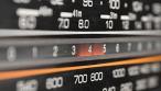 ΕΔΩ μπορείτε να μάθετε τι έπαιζε το ραδιόφωνο τη μέρα που γεννηθήκατε!